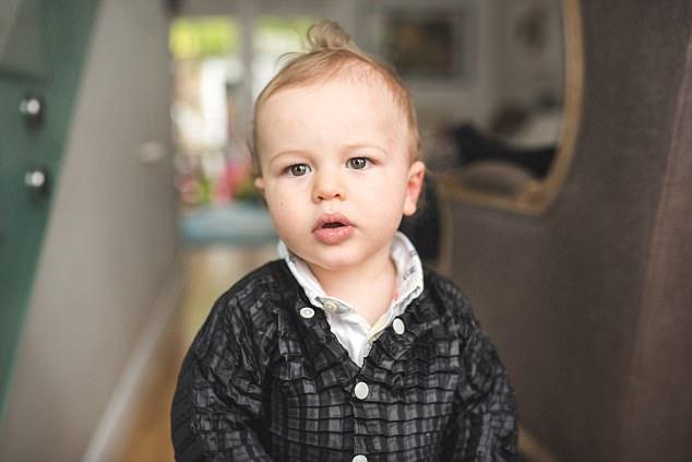 """英国设计师发明可与孩子一起""""长大""""的衣服"""