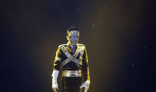 马云霸气亮相 跳杰克逊经典舞蹈燃爆现场