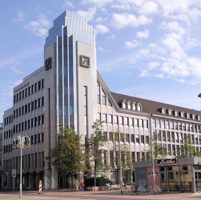 德意志银行CEO:将逐渐用AI替代人工