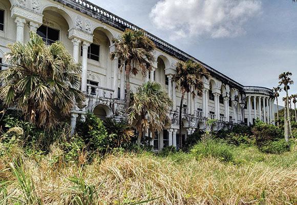 日本旅游业衰退繁华酒店变废墟:一片荒芜