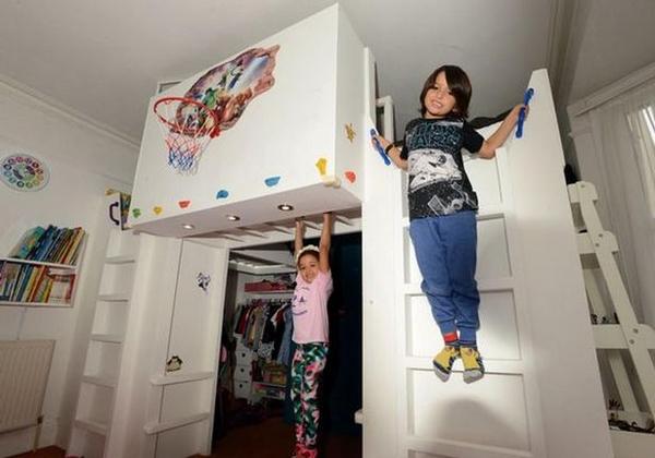 英夫妇自制最酷儿童卧室 攀岩墙投篮框一应俱全