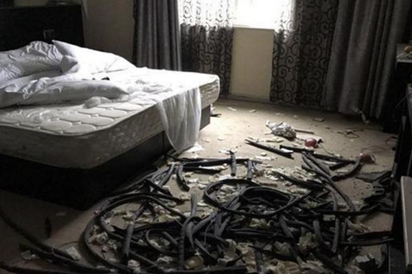 """酒店遭""""拆迁式""""偷盗 插线板都没剩下"""
