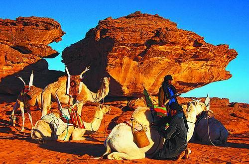 驶入撒哈拉 穴居帐篷尝不同