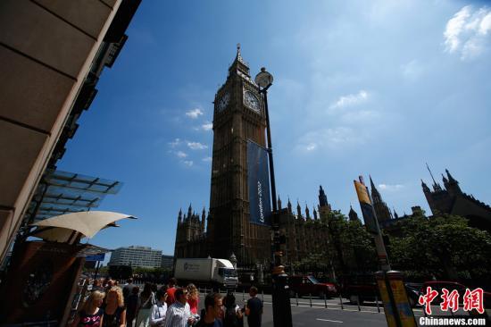 外媒:访英中国游客激增 年总消费金额超过5亿英镑