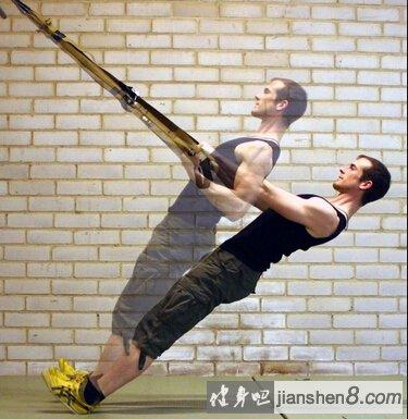 用TRX来练习引体向上 身材冲刺的方法