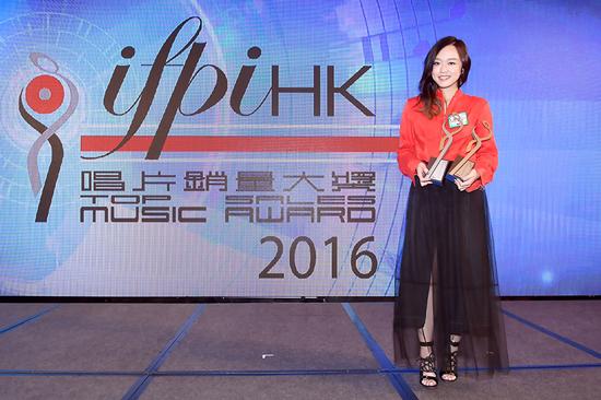 陈明憙捧走IFPI两项大奖 误食东西抱病登台