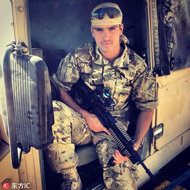英退役士兵秒变男模开房车环游欧洲