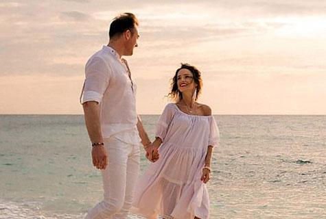 英男子与患癌妻子周游世界 陪伴妻子度过最后时光