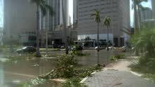 现场直击飓风灾后的迈阿密遇大面积断电
