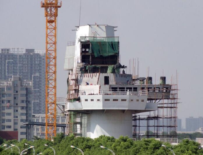 简氏猜中国新型航母配置:常规动力+弹射起飞