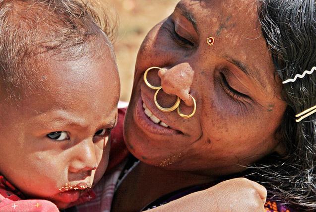 戴鼻环的女人:走近印度最古老民族