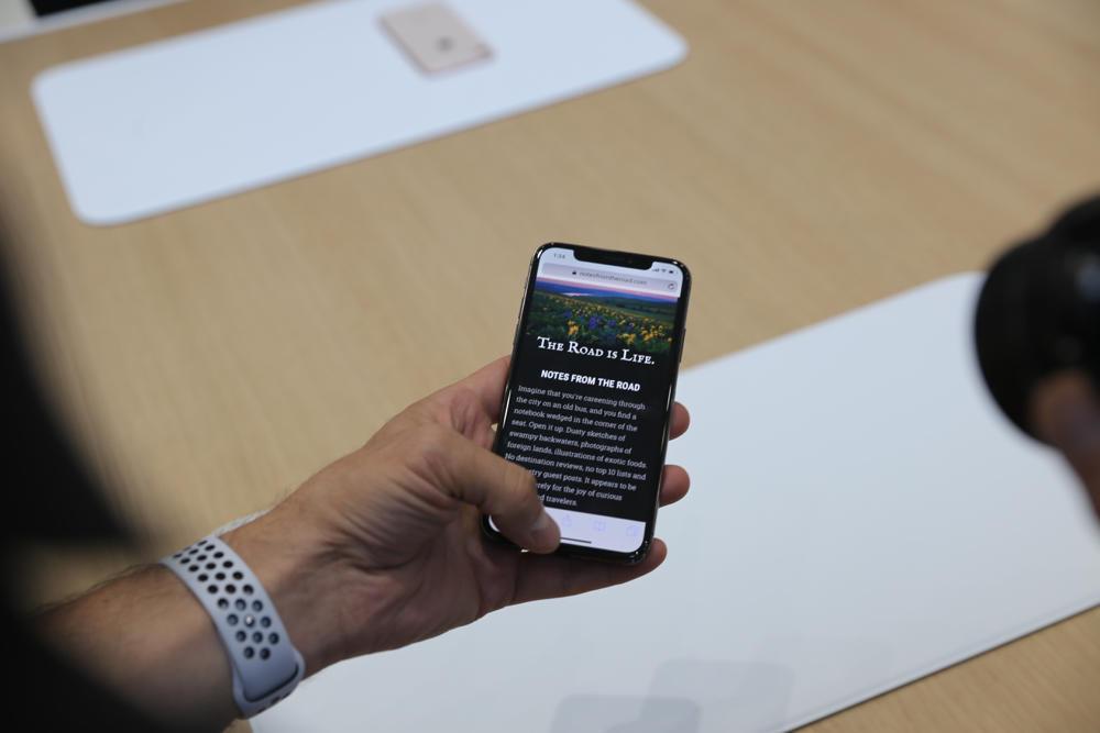 外媒批苹果iPhone X:根本无法和安卓机抗衡