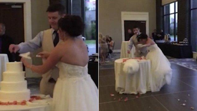 """搞笑!美新人婚礼上切蛋糕引发""""蛋糕大战"""""""