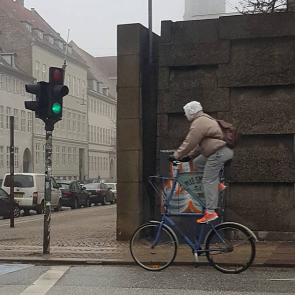 这样奇葩的自行车也只有你们能骑图片