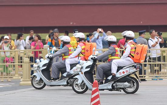北京马拉松安全再升级:20人医生团队全程参赛急救
