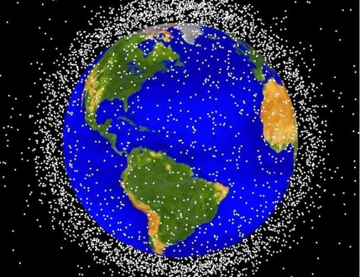 地球轨道上的大量人造垃圾使卫星面临严重危险