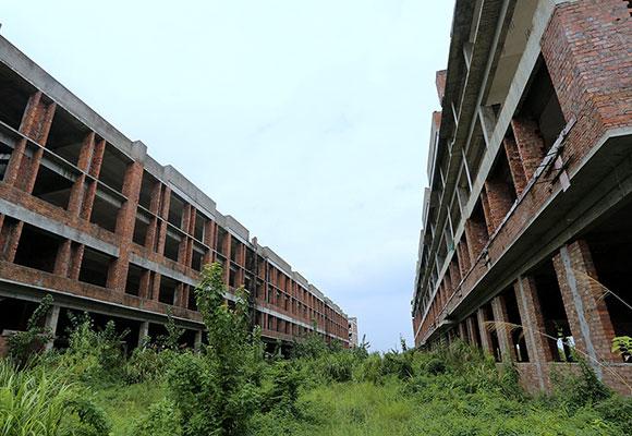 江西一皮革城烂尾 占地600亩投资40亿