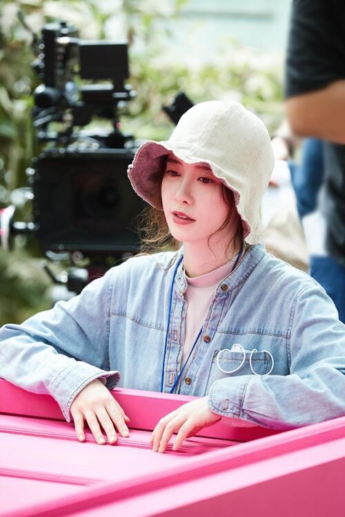 韩演员具惠善病愈回归 执导短篇电影《MYSTERY PINK》