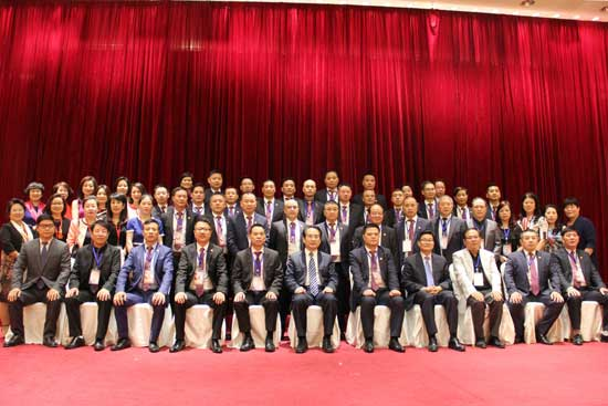 国务院侨办副主任谭天星亲切会见法国华侨华人会与法国青田同乡会代表团