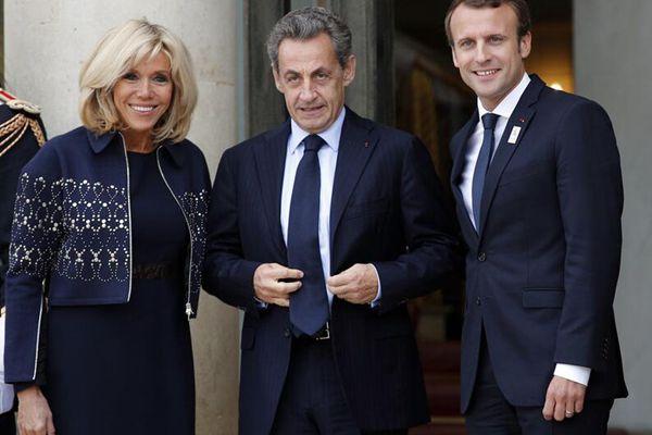 马克龙夫妇庆祝巴黎获得奥运主办权 萨科齐奥朗德亮相