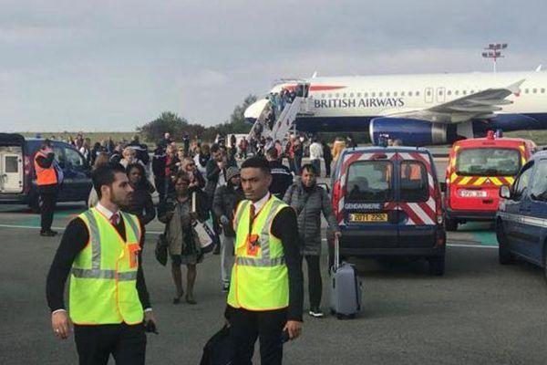 英国航空一客机遭安全威胁 乘客被紧急疏散