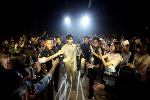 韩演员南柱赫赴泰办粉丝会 吸引两千人捧场