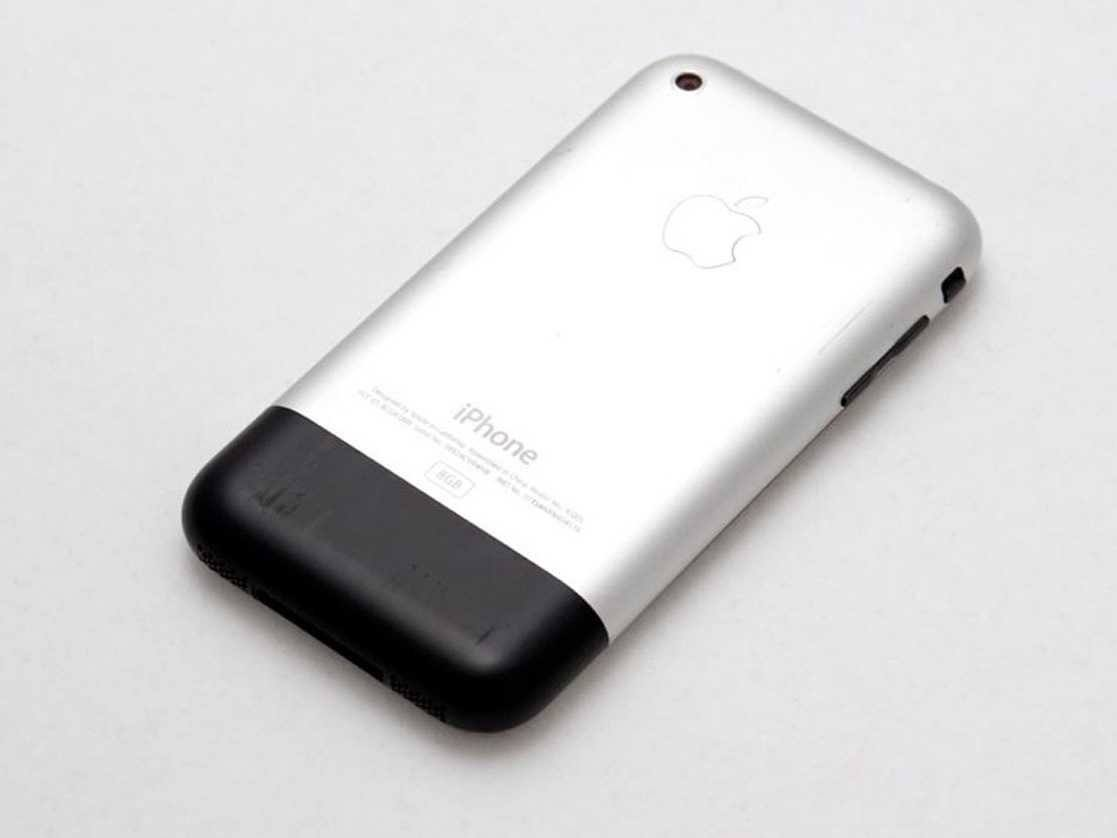 旧手机不值钱?一代iPhone现能买15部iPhone X