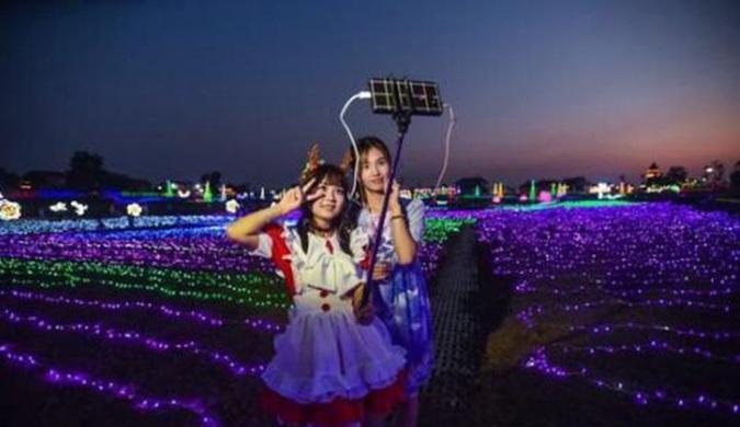 中国第一座网红小镇落户武汉 100位网红主播入驻