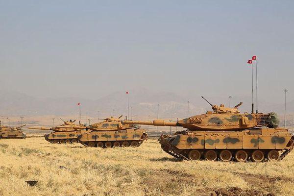 土耳其在紧邻伊拉克边境举行军演