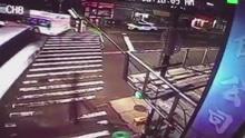 美纽约皇后区一公交与旅游巴士相撞 致3死16伤