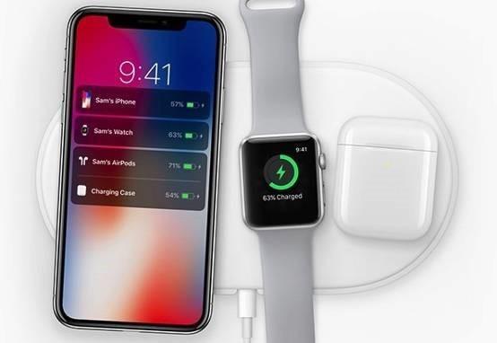 苹果官方无线充电底座支持同时为三款设备充电