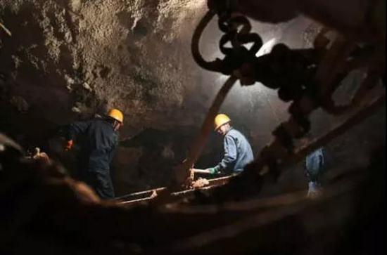 兰渝铁路即将全线通车 疆煤南下重构南方能源市场