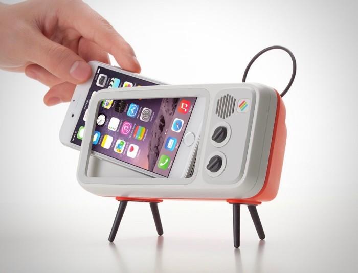 浓浓怀旧风!把iPhone变成老式电视的支架