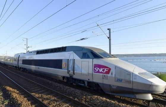 """法国营铁路公司屡误点 消费者协议要求赔偿""""附加""""损失"""