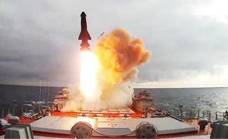 难得一见:俄军基洛夫巡洋舰垂射反舰导弹