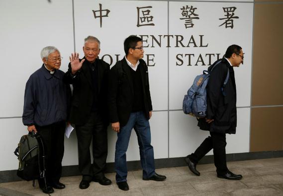 """""""占中""""发起人涉罪昨日法庭答辩 戴耀廷声言不认罪"""