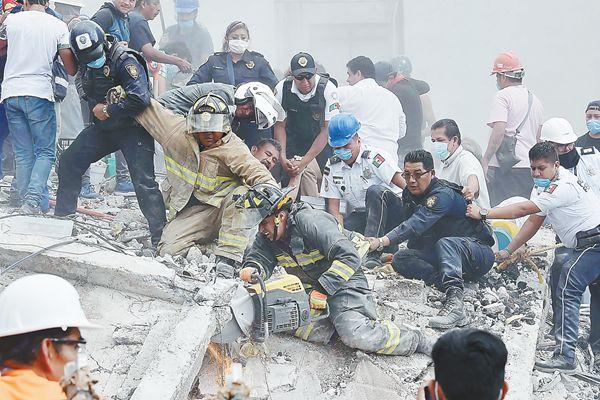 一个月不到遭遇两次强震 墨西哥地震唤起悲痛记忆