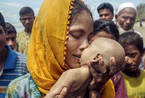动容!罗兴亚难民母亲抱溺亡男婴痛哭