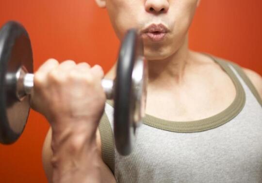 韩媒:酒后运动需警惕 易导致肝脏受损有害健康