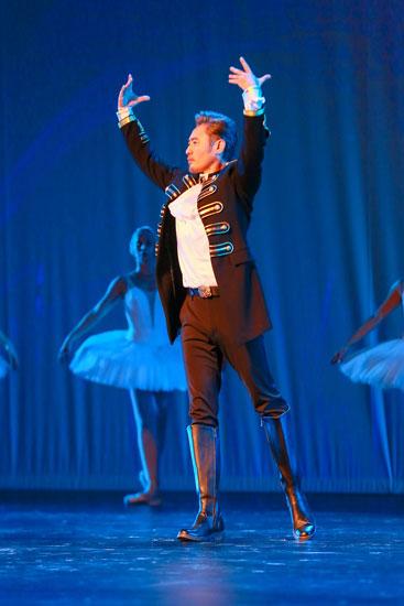 吴秀波《我们来了》跳芭蕾 波叔演绎芭蕾舞剧