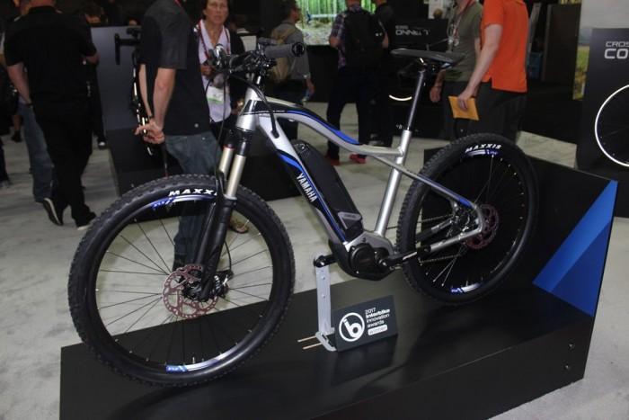雅马哈发动机株式会社展示全新系列电动自行车