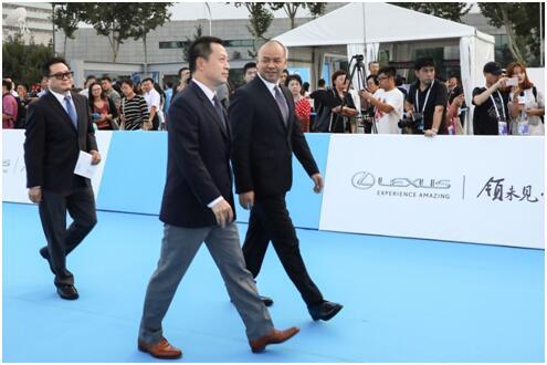 华为手机作为北京国际设计周首个企业奖入驻中华世纪坛
