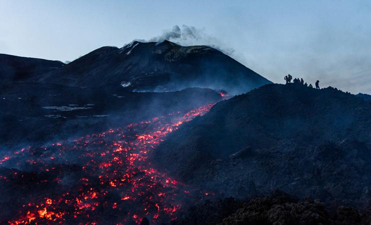 极致危险的美丽 领略埃特纳火山山下小镇美景