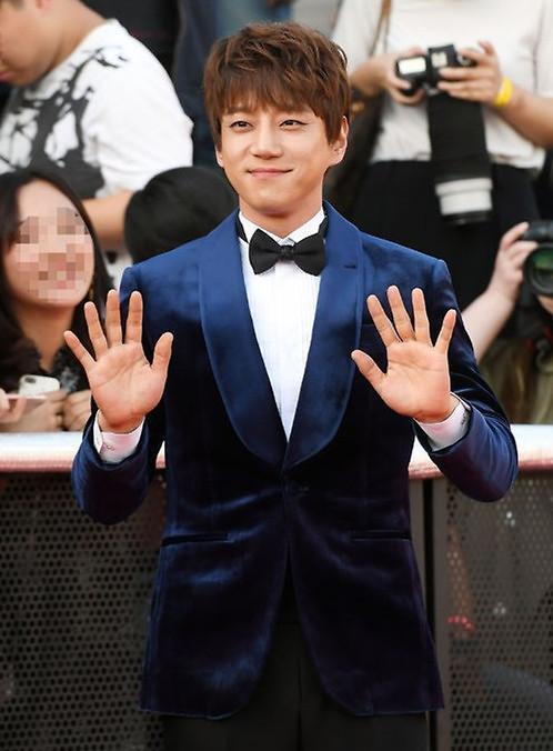 韩歌手黄致列加盟《The Unit》 以亲身经历鼓励无名新人