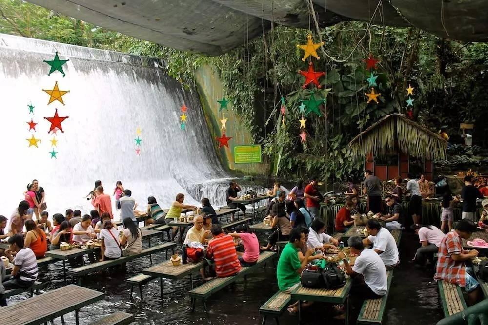 全球十大怪奇餐厅,能在瀑布激流,在监狱禁闭