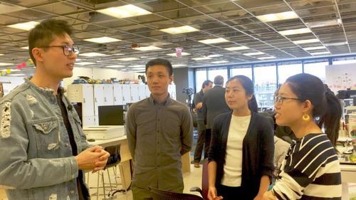 中国侨网学生分享各自对H1B的见解 (美国《世界日报》/董宇 摄)