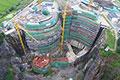 上海深坑酒店初具规模 外立面玻璃幕墙施工
