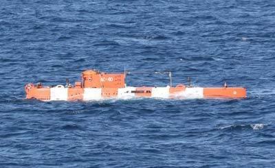 中国海军首与外军潜艇实际对接