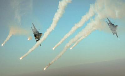 F-15E伊拉克上空抛洒热焰弹