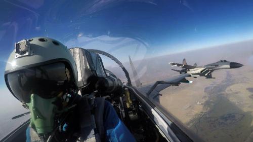 中巴空军挑战世界性训练难题:增加夜战训练等课目
